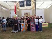 Des étudiants vietnamiens à la fête culturelle internationale en Inde
