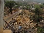La rupture d'un pont suspendu fait huit morts
