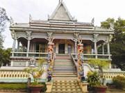 À Soc Trang, visitez une pagode originale en grès