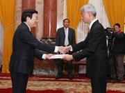 Truong Tan Sang reçoit de nouveaux ambassadeurs