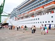 Accueil de plus de 8.000 touristes à Vung Tàu par Saigontourist