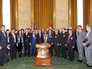 Nguyen Sinh Hung visite l'Office de l'ONU à Genève