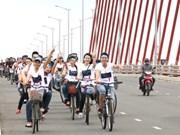 """Les étudiants font écho à la campagne """"Heure de la Terre 2014"""""""