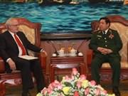 Le ministre de la Défense reçoit l'ambassadeur des États-Unis