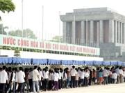Grande fréquentation du mausolée du Président Hô Chi Minh