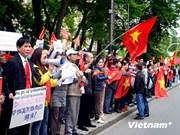 Les Vietnamiens à l'étranger protègent la souveraineté de leur pays
