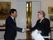 Le Parlement australien prend en considération la coopération avec l'AN du Vietnam