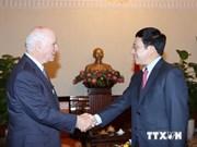 Le vice-Premier ministre Pham Binh Minh reçoit un sénateur américain