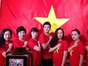 Les artistes et les jeunes vietnamiens s'orientent vers la Mer Orientale