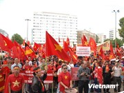 Manifestation en Allemagne contre la plate-forme Haiyang Shiyou-981