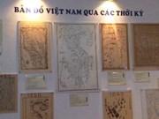 HCM-Ville: exposition de photos et de cartes anciennes du Vietnam