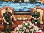 Un général laotien en visite de travail au Vietnam