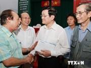 Les dirigeants du Parti et de l'Etat rencontre des électeurs