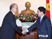 Des dirigeants vietnamiens reçoivent le président de la FMACU