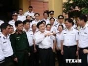 Le président du Vietnam rencontre les forces officielles