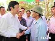 Le président visite des îles de Quang Ninh