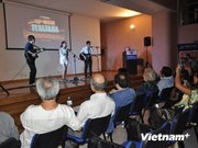 Les étudiants vietnamiens en Italie renforcent la solidarité