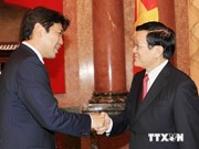 Le chef de l'État reçoit de jeunes parlementaires japonais