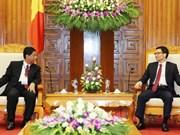 Le vice-PM Vu Duc Dam reçoit des archivistes de la SARBICA