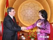 Intensification des relations d'amitié entre le Vietnam et Cuba