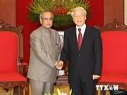 Des dirigeants vietnamiens reçoivent le président indien