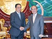 Le président de l'AN Nguyen Sinh Hung reçu par le président laotien