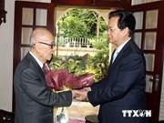 Le PM félicite le professeur Vu Khieu pour son centenaire