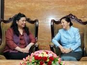 Le Vietnam s'engage à renforcer ses liens avec le Laos