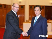 Le Premier ministre apprécie les efforts du Vietnam et de la Russie contre la corruption