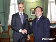 Le vice-PM Hoang Trung Hai en visite en Finlande