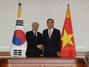 Le leader du PCV rencontre des dirigeants de la R. de Corée
