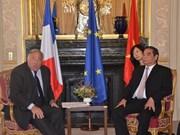 Activités du permanent du Secrétariat du PCV Le Hong Anh en France