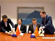 Vietnam-Macédoine : signature d'accords de promotion du commerce