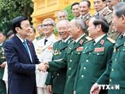 Le président rencontre des membres de la division héroïque numéro 1