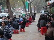 Les Hanoïens passent trop de temps au café