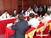 Une mission de la Commission centrale de propagande et d'éducation du PCV au Laos