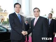 Vietnam et Laos visent 2 milliards de dollars d'échanges commerciaux l'année prochaine