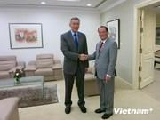 Singapour poursuit une coopération étroite avec le Vietnam