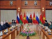 Le général Phung Quang Thanh reçoit des vétérans russes et biélorusses