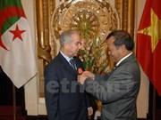 L'ambassadeur d'Algérie décoré de l'ordre de l'amitié