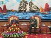 Le ministre thaïlandais de la Défense en visite au Vietnam
