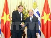 Vietnam-Uruguay : renforcement de la coopération entre les deux organes législatifs
