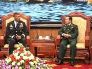 Le commandant de l'Armée américaine du Pacifique en visite au Vietnam