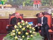 Le secrétaire du Parti de Hanoi reçoit le cardinal Fernando Filoni