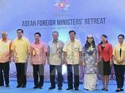 Pham Binh Minh à la conférence ministérielle restreinte de l'ASEAN