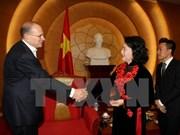La vice-présidente de l'AN Nguyen Thi Kim Ngan reçoit le PDG d'AIA