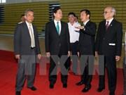 Le PM rend visite à l'Université Ton Duc Thang