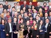 Réception de Vietnamiens d'outre-mer