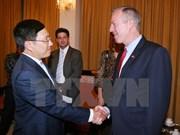 Le vice-PM Pham Binh Minh reçoit l'ambassadeur américain Ted Osius