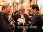 Le chef de l'Etat apprécie la rencontre d'écrivains internationaux à Hanoi